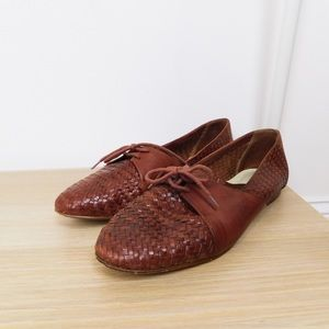 Vintage Brown Woven Pointed Toe Leather Flats